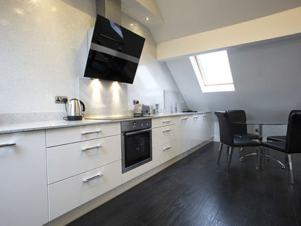 breck-apartments-roomtype245.jpg-apmt11